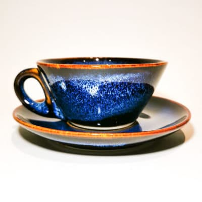tasse et soucoupe bleu