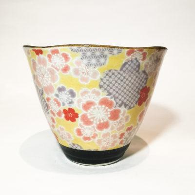 tasse triangle fleurs jaune